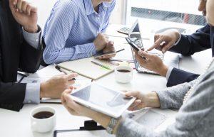 Kommunikationsstile: Erkennen Sie den bestimmend-kontrollierenden Stil