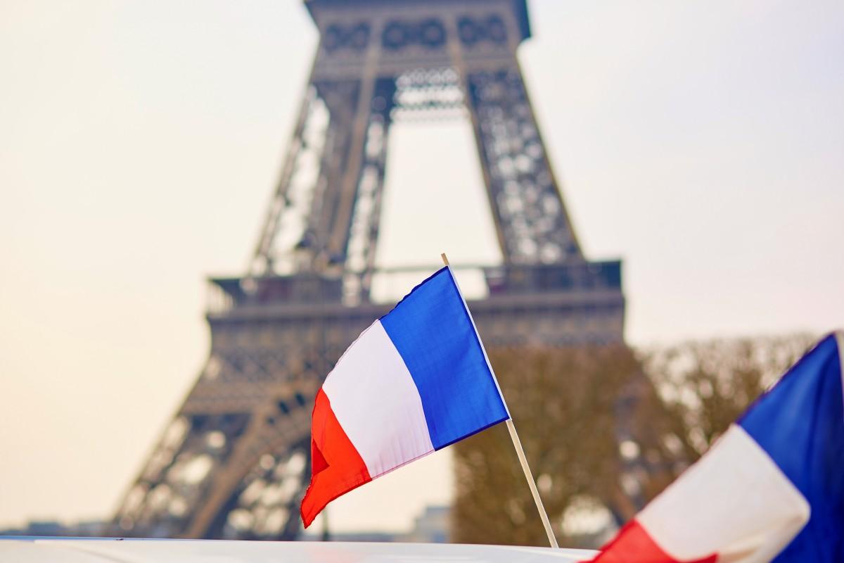 Wie Sie den Anlass und Grund Ihrer Anfrage auf Französisch ausdrücken können