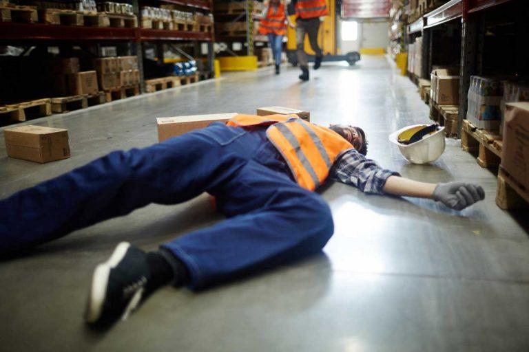 Arbeitsunfall im Betrieb - Wie reagiere ich richtig?