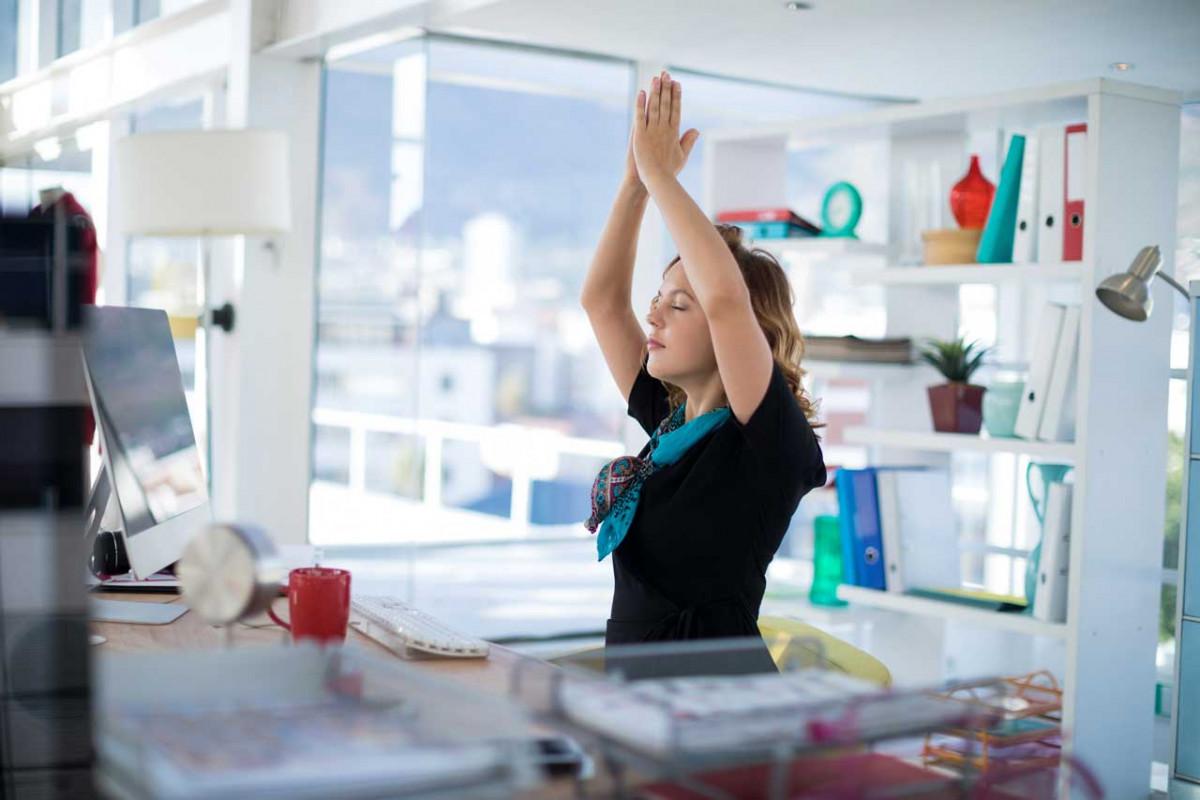 3 Yoga Übungen für´s Büro