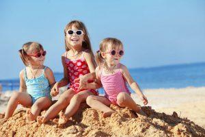 So bleibt Ihr Kind im Urlaub gesund