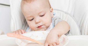 Milch-Getreidebrei als Beikost für Ihr Baby