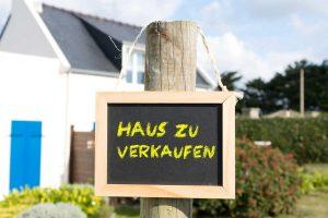 Privat oder Makler - wie verkaufe ich mein Haus?