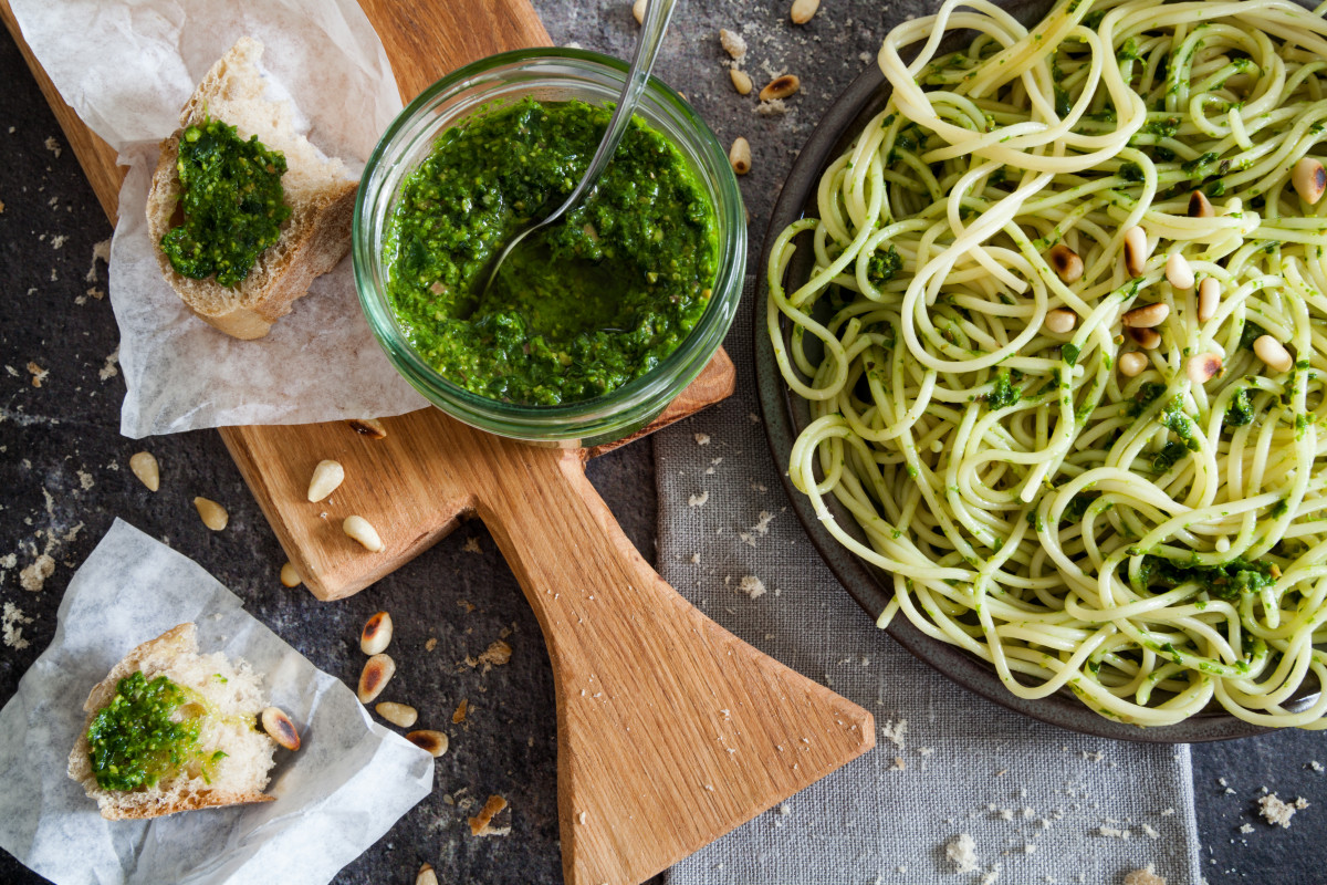 Besser als fertig gekauft: Ein Rezept für köstliches Pesto alla Genovese