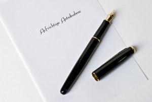 Trauerkarte schreiben – Tipps und Vorschläge zum Formulieren