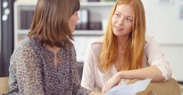 Jemanden zu etwas überreden wollen, kann als Gesprächskiller wirken