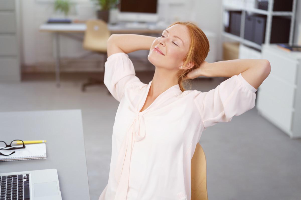 Stressabbau durch Augenentspannung im Büro