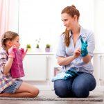 10 lustige Aufräumspiele für das Kinderzimmer