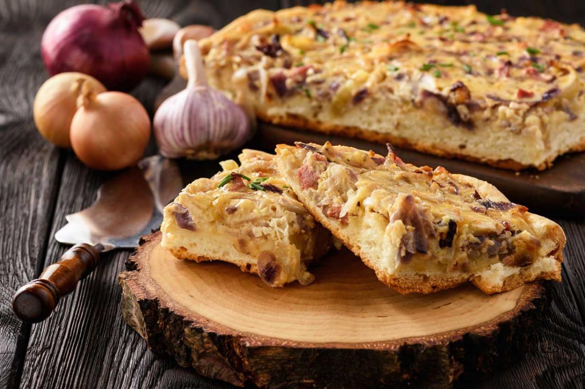 Der Herbstklassiker: Rezept für selbstgemachten Zwiebelkuchen
