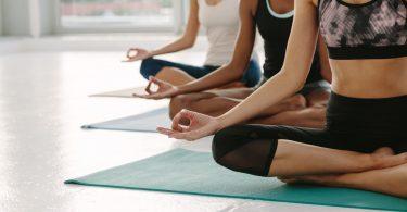 Yoga-Übungen für den Bauch und Beckenraum
