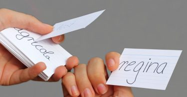 Hausaufgaben: Mit dem Karteikartensystem Vokabel-Lücken verhindern