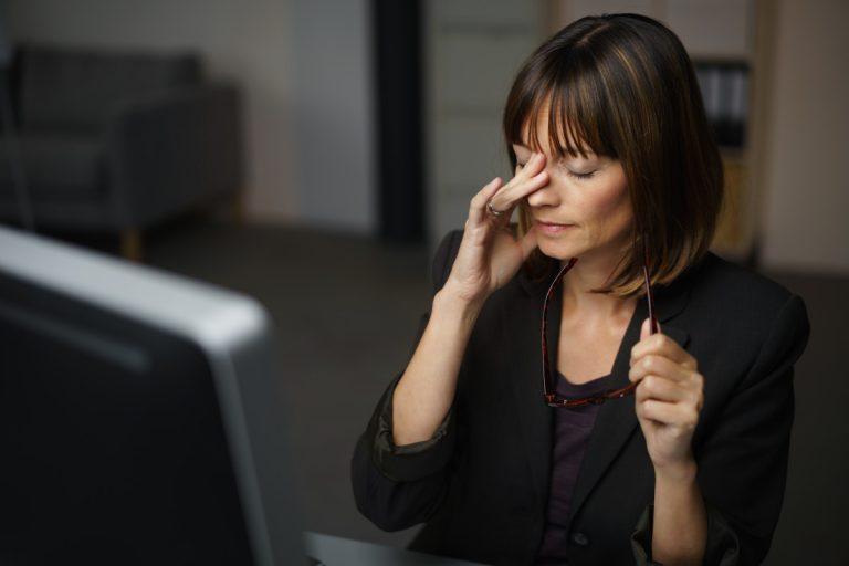Tipps gegen Ermüdung bei der Bildschirmarbeit