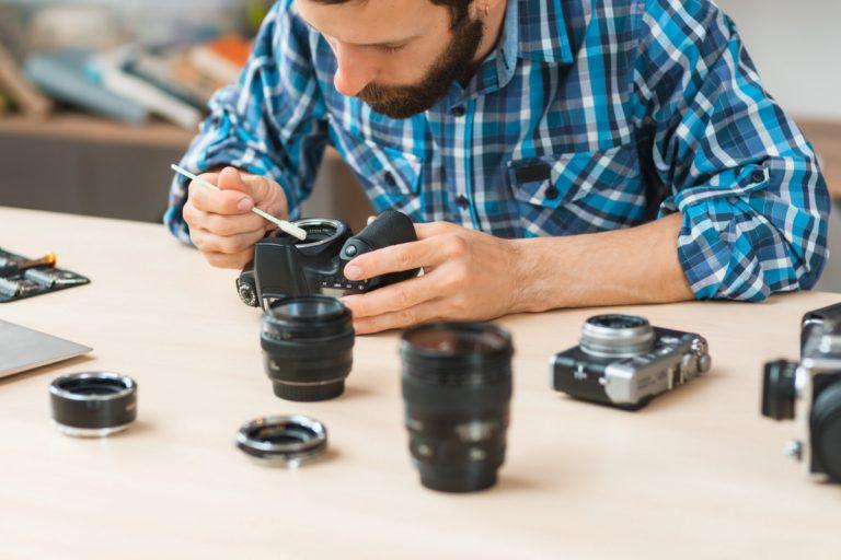 So reinigen Sie das Objektiv der Kamera richtig