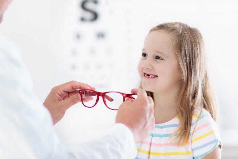 Kinderbrille: Diese Tipps beim Kauf beachten