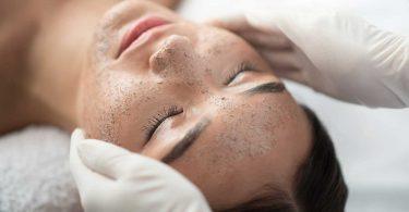 Ayurvedische Gesichtspflege – Peelingrezept für eine samtweiche Haut