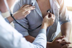 Herzrhythmusstörungen: So bringen Sie Ihr Herz wieder in den Takt
