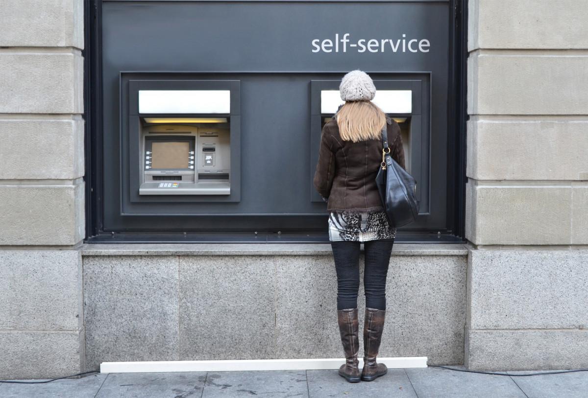 Mit der EC-Karte kostenlos Bargeld im Ausland beziehen