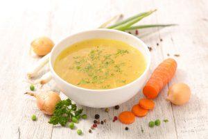 Fastengemüsebrühe: Rezept für eine Fastenbrühe nach Buchinger