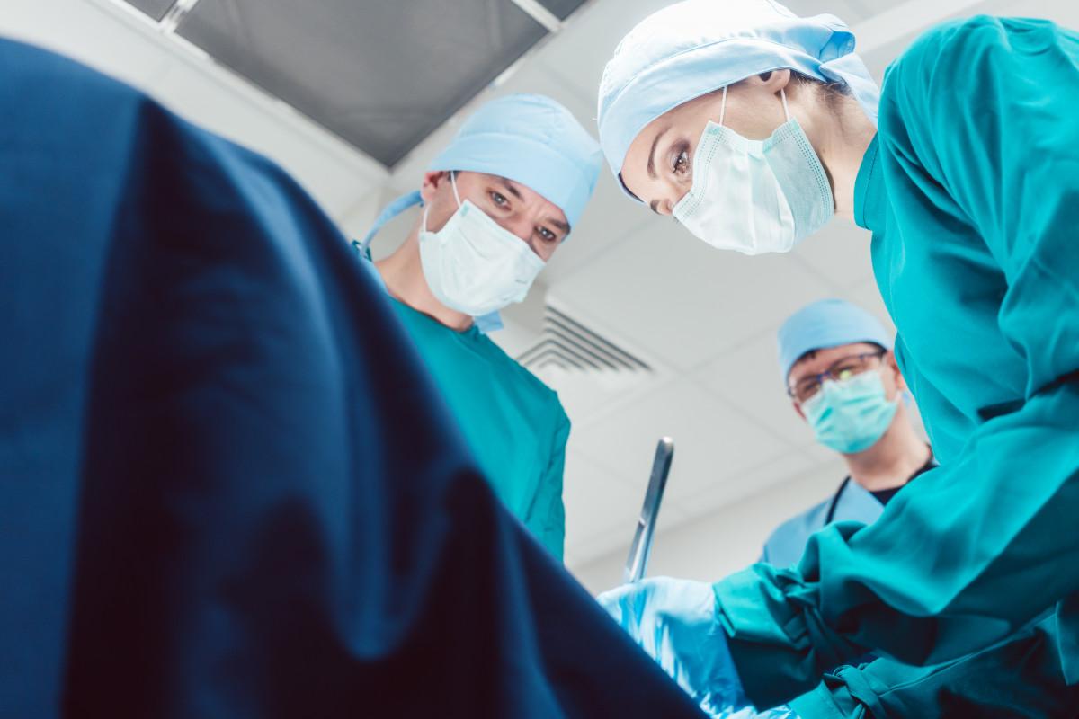 Homöopathie nach OP: Beschwerden nach Kaiserschnitt