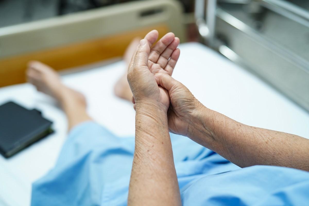Den akuten Gichtanfall mit homöopathischen Mitteln behandeln