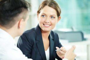 Gesprächsführung: So vermeiden Sie Anglizismen
