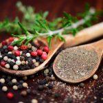 Schwarz, weiß, grün und rosa – Wofür eignet sich welcher Pfeffer?