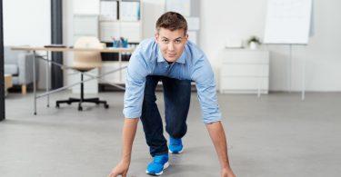 Schreibtisch-Workout – 4 Übungen für Ihren Büroalltag