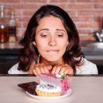 Mit Pulsatilla Beschwerden nach zu viel Süßem behandeln