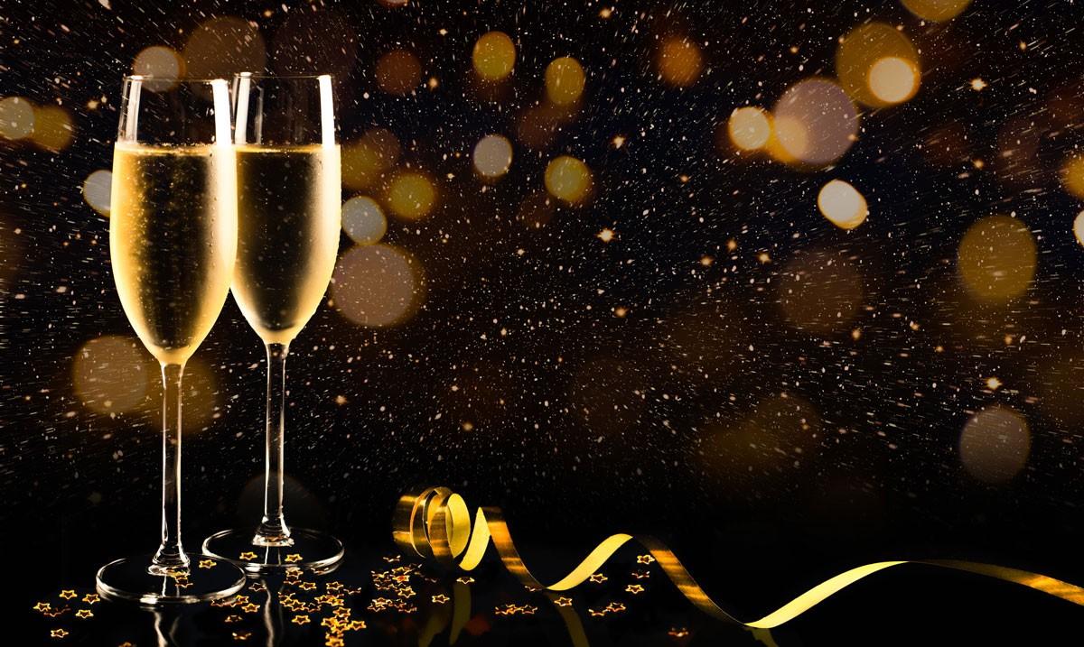 Silvester und das Glas – schnell noch versichern!