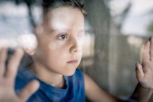 Homöopathie hilft bei Kummer: Natrium muriaticum für Kinder