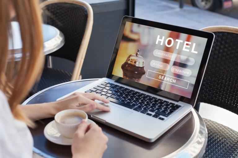 Französische Vokabeln: Nützliche Begriffe für Ihre Hotelsuche