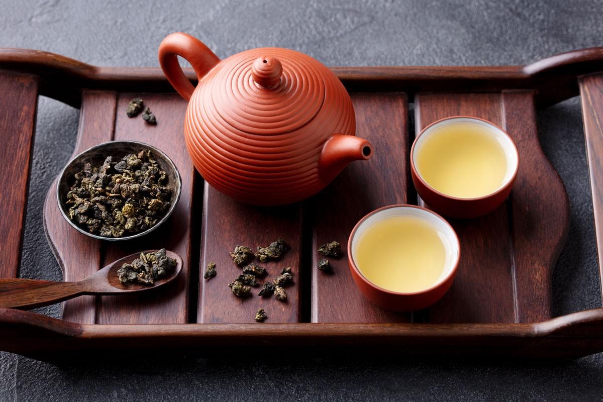 Fettkiller Oolong-Tee: Mit täglich drei Tassen nehmen Sie gesund ab!