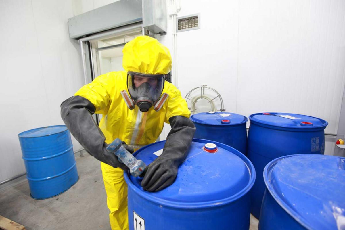 Wie Sie Schadstoffe am Arbeitsplatz wirkungsvoll entfernen