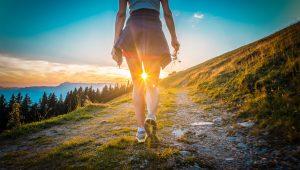 Wandern ohne Gepäck – 5 Tipps für eine Etappenwanderung