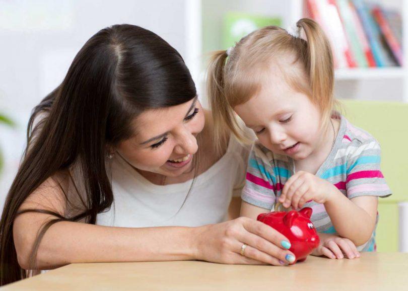 Mit diesen 5 Tipps lernen Kinder den Umgang mit Geld