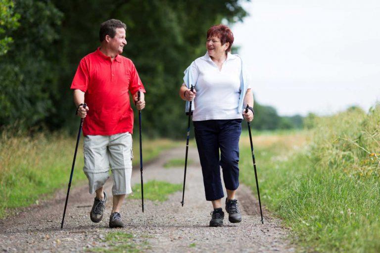 Fett verbrennen: Mit Walking sind Sie im grünen Bereich!