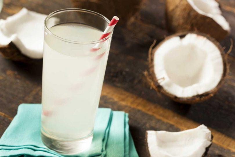Geheimtipp aus Hollywood: Werden Sie jung und schlank mit Kokosnuss-Wasser