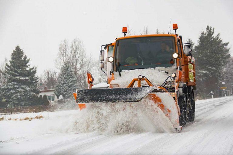 Winterdienst: Beachten Sie die Lenkzeit und Arbeitszeit!