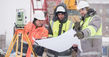 Winterdienst und Winterarbeit: Tipps für Ihre Winterjacke