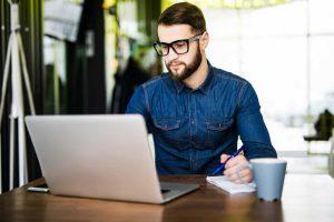 Tipps für den ersten Absatz Ihrer Pressemitteilung