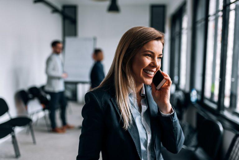 Telefongespräch: In 4 Schritten zur perfekten Begrüßung