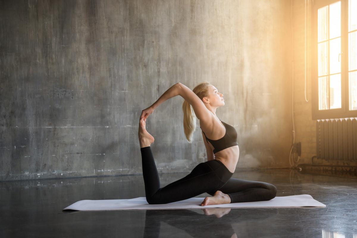 Yoga-Übungen: Der Tanz der Wirbelsäule