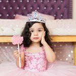 Wie Sie eine Krone für eine kleine Prinzessin basteln