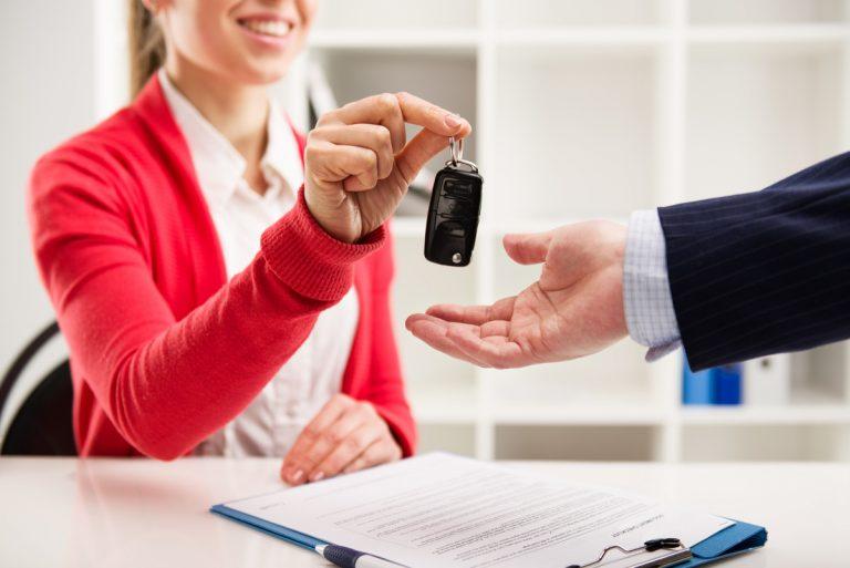 Ob im Büro oder privat: So ordnen Sie Ihre Auto-Leasing-Papiere