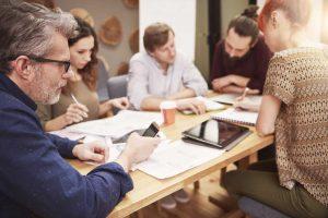 So gehen Sie mit schwierigen Mitarbeitern und Kollegen in Meetings um