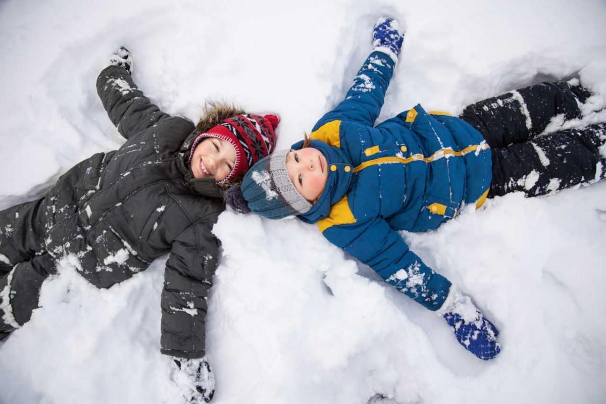 Mit diesen Tipps Kinder wirksam vor Kälte schützen