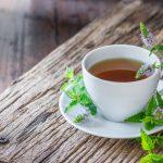 Gegen Erkältungen gibt es wirksame Kräutertees