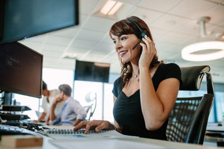 Wie Sie einen Anruf auf Englisch entgegennehmen