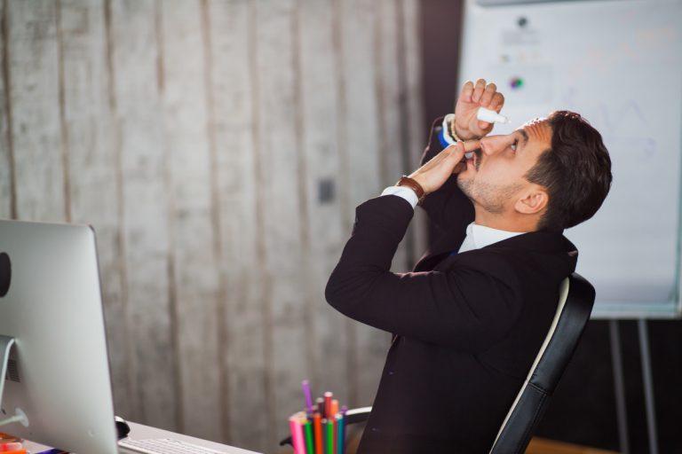 9 Tipps bei trockenen Augen im Büro