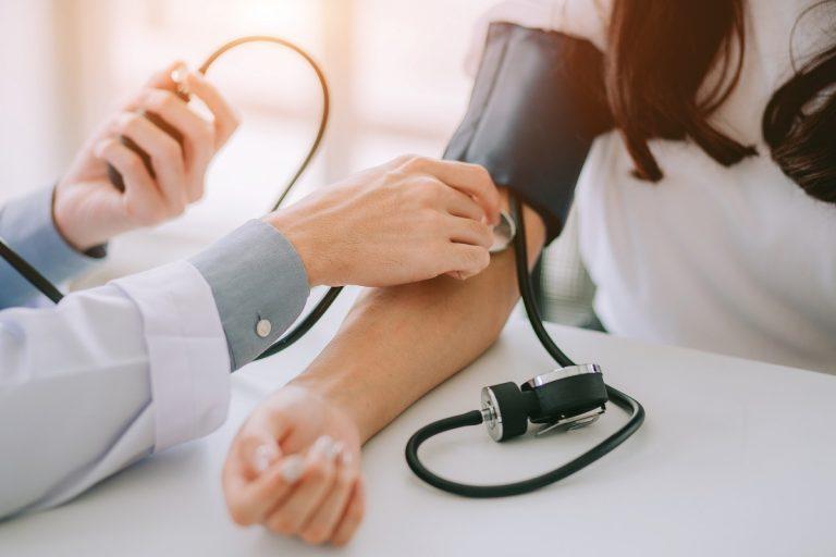 Idealer Blutdruck – schlagen Sie der Volkskrankheit ein Schnäppchen